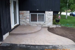 stenciled flag stone front stoop